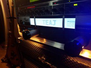 StroboRack guitar tuner says TEAJ!