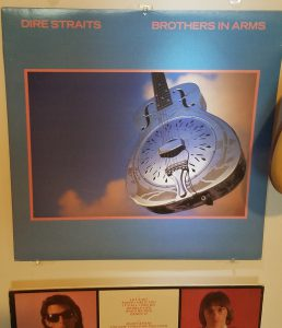 Dire Straits likes Resonators too