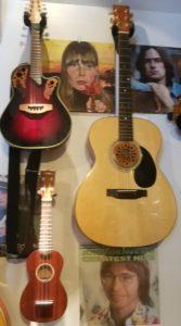 Franks Uke & Guitar