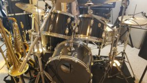 Ludwig kit lit from front