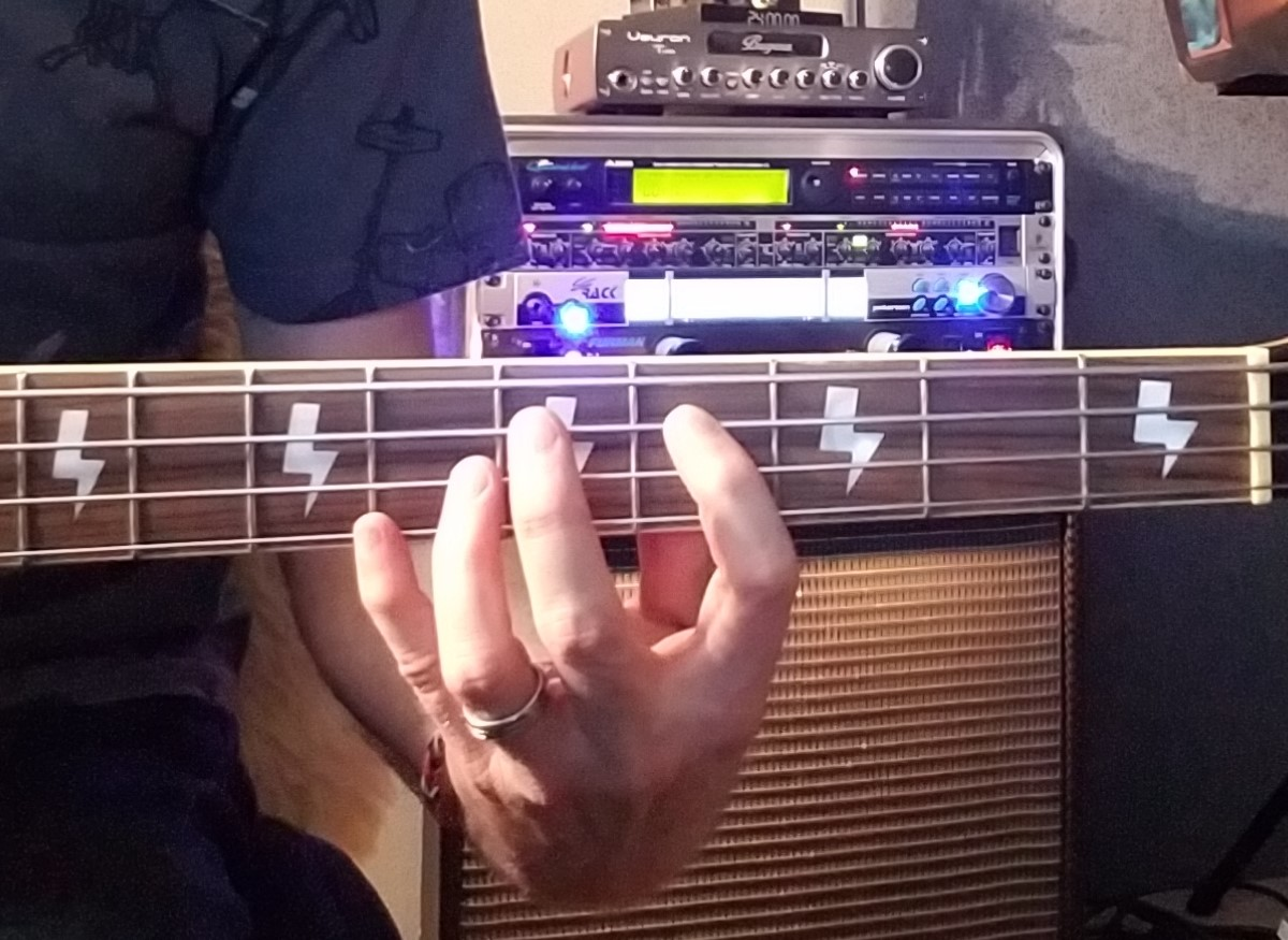 MAJOR THIRD bass fingering
