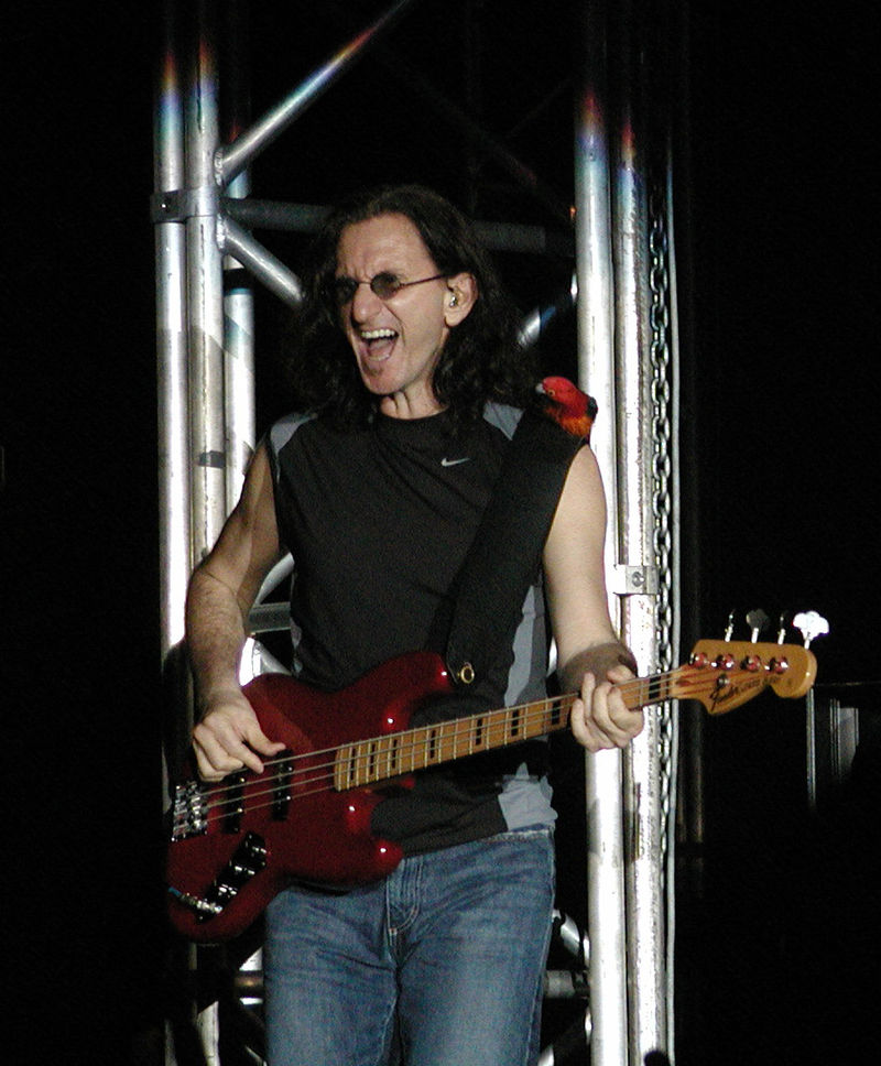 Geddy with his Jazz Bass!